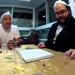 «L'honneur du Roi et l'honneur de D' – Eloul» – DISCUSSION ENTRE AMIS à Beth Shemesh