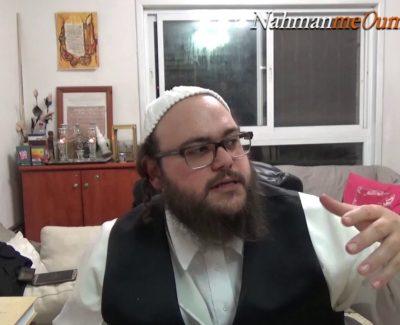 «Un nouveau monde» – 1ère partie – DISCUSSIONS ENTRE AMIS à Beitar Illit
