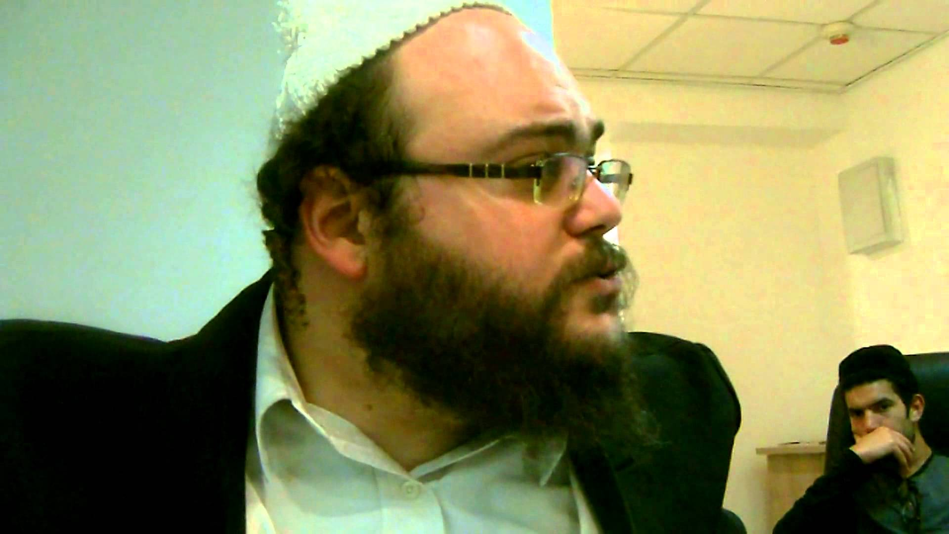 DISCUSSIONS ENTRE AMIS – «À Natanya» – «Le Tsadik, par rapport à David Hamélè' h»